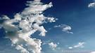 bailando  sobre  las  nubes
