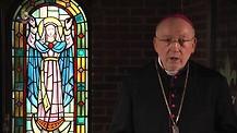 Monseñor Jean Marie hablando de la tentación