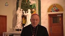 Delante del altar de San Charbel, dentro del Santuario del Santísimo Nombre de Jesús y de María, Mad